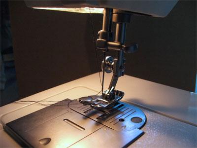 Come cucire a macchina usare la macchina da cucire for Migliore macchina da cucire per principianti
